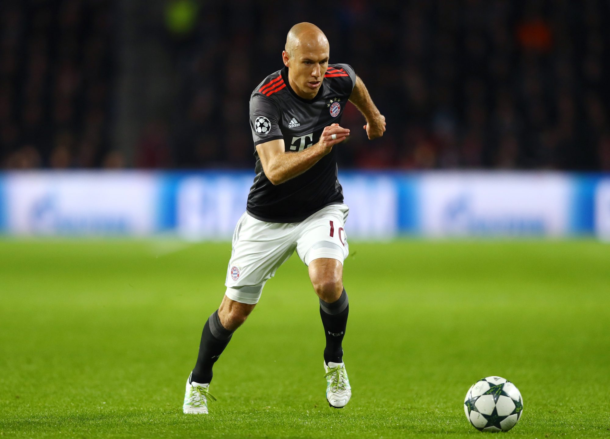 Robben läuft an.(Foto: Dean Mouhtaropoulos / Getty Images)